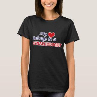 Mon coeur appartient à un gynécologue t-shirt