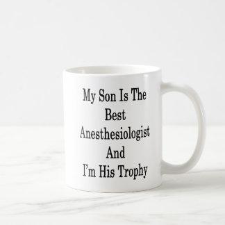 Mon fils est le meilleur anesthésiste et je suis mug