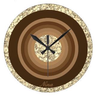 Monogramme Brown et parties scintillantes beiges Grande Horloge Ronde