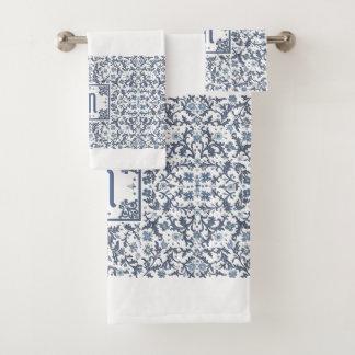 Monogramme fleuri bleu de denim