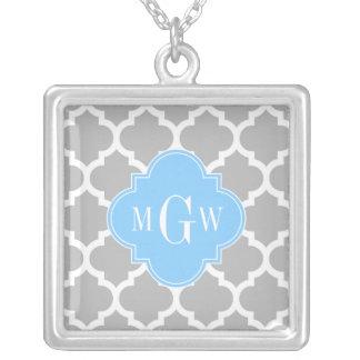 Monogramme initial du bleu de ciel #5 de blanc pendentif carré