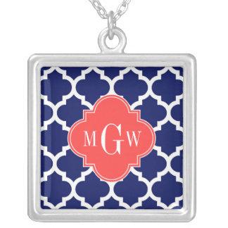 Monogramme initial du rouge 3 de corail blancs du pendentif carré