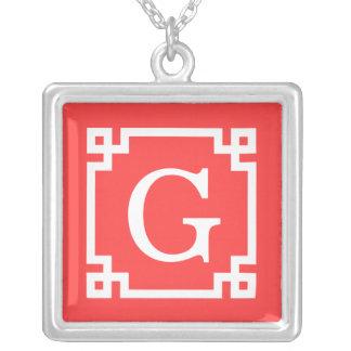 Monogramme initial principal grec blanc rouge de c colliers personnalisés