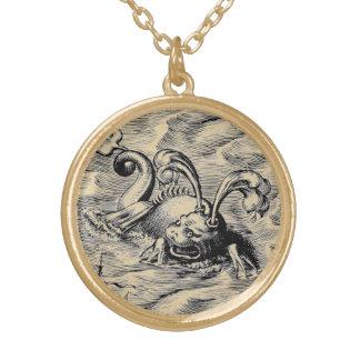 Monstre de mer arctique collier plaqué or