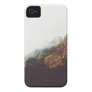 Montagnes brumeuses, scène de détente de paysage coques iPhone 4