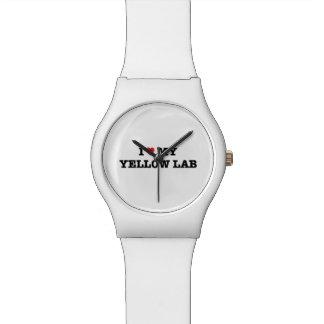 Montre I coeur ma montre-bracelet jaune du laboratoire