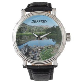 Montre Montre-bracelet pittoresque de réflexion du lac