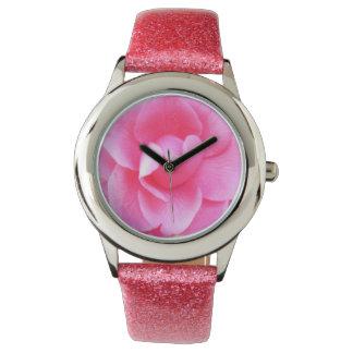 Montre - parties scintillantes - camélia rose