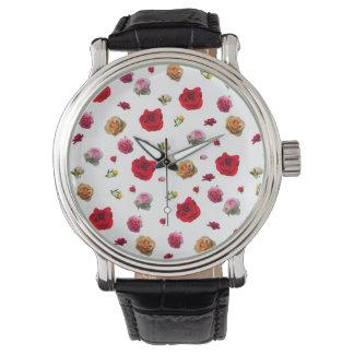 Montres Bracelet collage de roses sur l'arrière - plan blanc