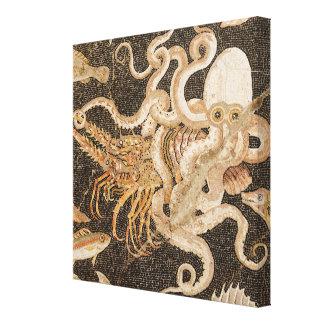 Mosaïque de poulpe luttant avec la toile