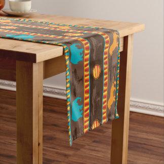 Motif animal tribal africain dinant le coureur chemin de table court