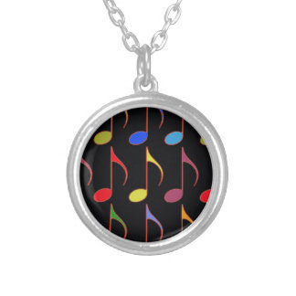 motif coloré de notes musicales collier