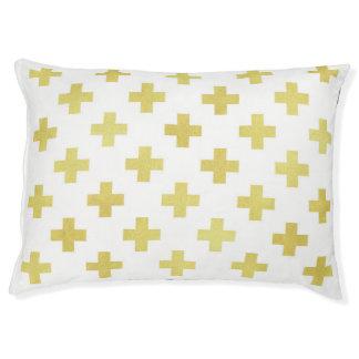 Motif croisé suisse d'or moderne et de lit blanc