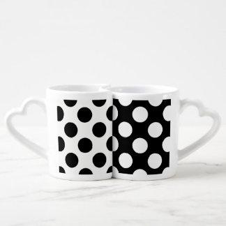 Motif de point noir et blanc de polka mug