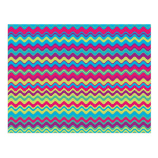 Motif de zigzag coloré de vague carte postale