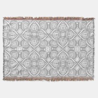 Motif élégant | de damassé gris et blanc couvre pied de lit
