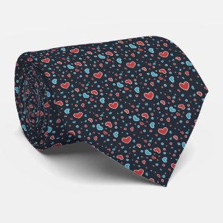 Motif rouge et bleu de coeurs cravates