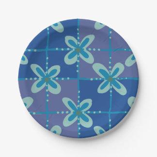 Motif sans couture de batik floral bleu de minuit assiettes en papier