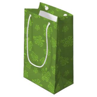 Motif tourbillonnant de vert de tortue petit sac cadeau