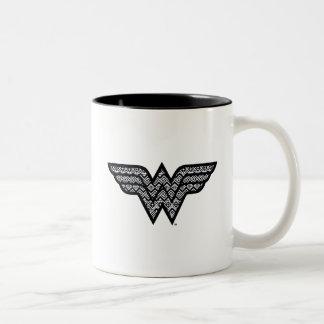 Motif tribal de femme de merveille tasse 2 couleurs
