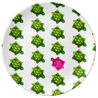 Motif vert et rose de tortue assiettes en porcelaine