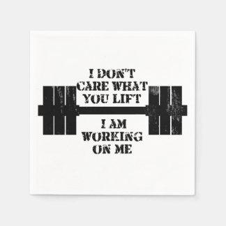 Motivation d'individu de forme physique serviettes jetables