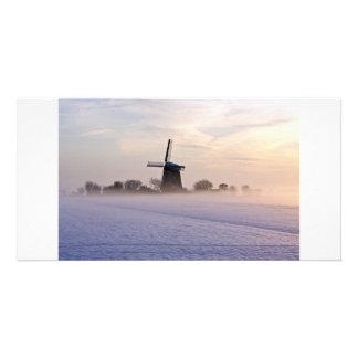 Moulin à vent traditionnel en hiver dans Pays-Bas Modèle Pour Photocarte
