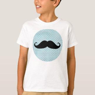 Moustache noire drôle sur le pois bleu turquoise t-shirt