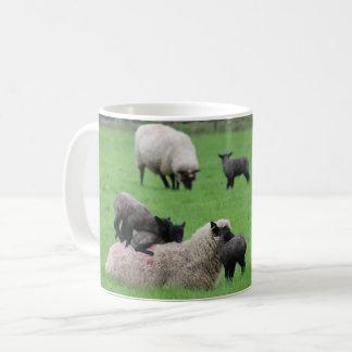 Mug Agneau et moutons de ressort