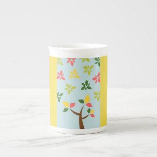 Mug Arbre et fleurs colorés stylisés