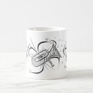Mug Argent et notes de tuba