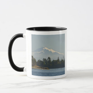 Mug Baker de bâti domine le paysage