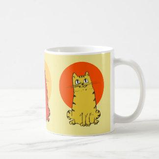 Mug bande dessinée se reposante de chat tigré