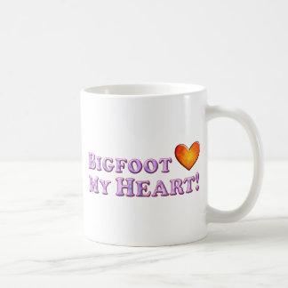 Mug Bigfoot aime mon coeur - de base