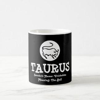 Mug Blanc Sanskrit de noir de signification de Taureau