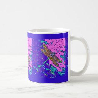 Mug Cadeaux de rose de mousse de mer de libellule par