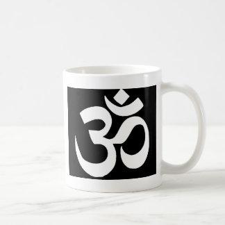 """Mug Cadeaux mystiques d'incantation de """"OHM"""" de noir"""