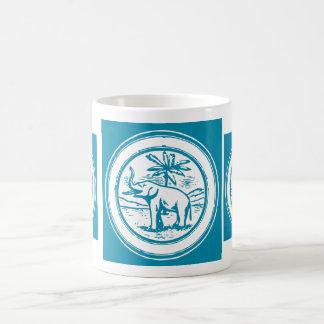 Mug Cadre blanc bleu de cercle d'oasis de palmier