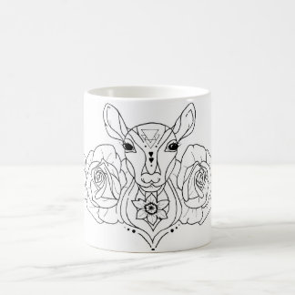 Mug cerfs communs de style de tatouage