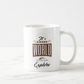 Mug C'est un monde énorme puis disparaît les explorent