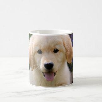 Mug Chiot mignon de Goldie de chien avec du charme,