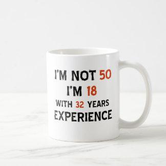 Mug cinquantième conceptions d'anniversaire
