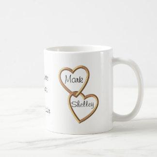 Mug Coeurs enlacés par or et fleurs sentimentaux
