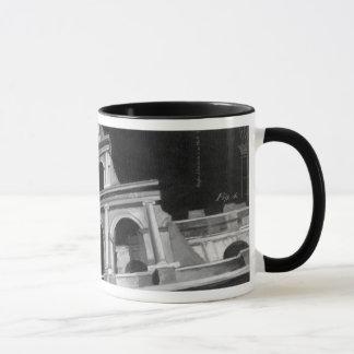 Mug Colosseum romain avec les dessins architecturaux