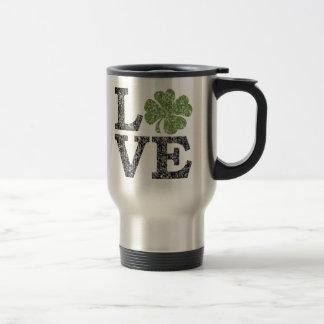 Mug De Voyage AMOUR de Jour de la Saint Patrick avec le shamrock