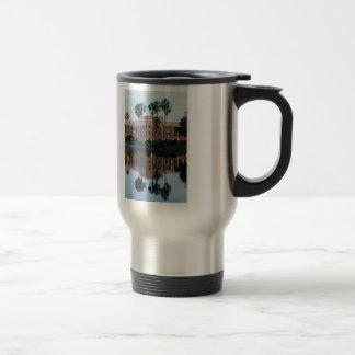 Mug De Voyage Coronada jaillit des réflexions