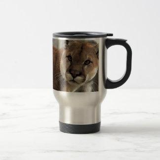 Mug De Voyage Puma frappant une pose