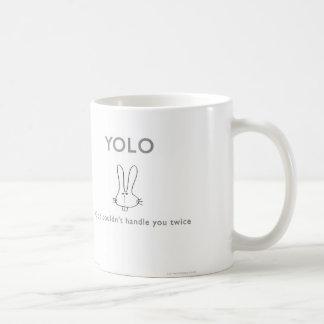 Mug de ww040 YOLO d'un dieu waitwot de lapin de badass