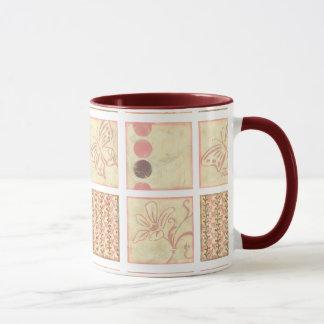 Mug Dessins roses de bois de graveur par Chariklia