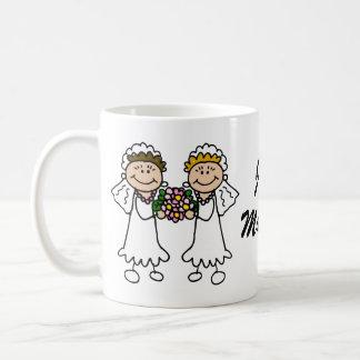 Mug Deux jeunes mariées avec des fleurs
